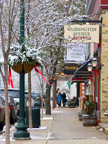 Christmas Shopping in Cedarburg, WI