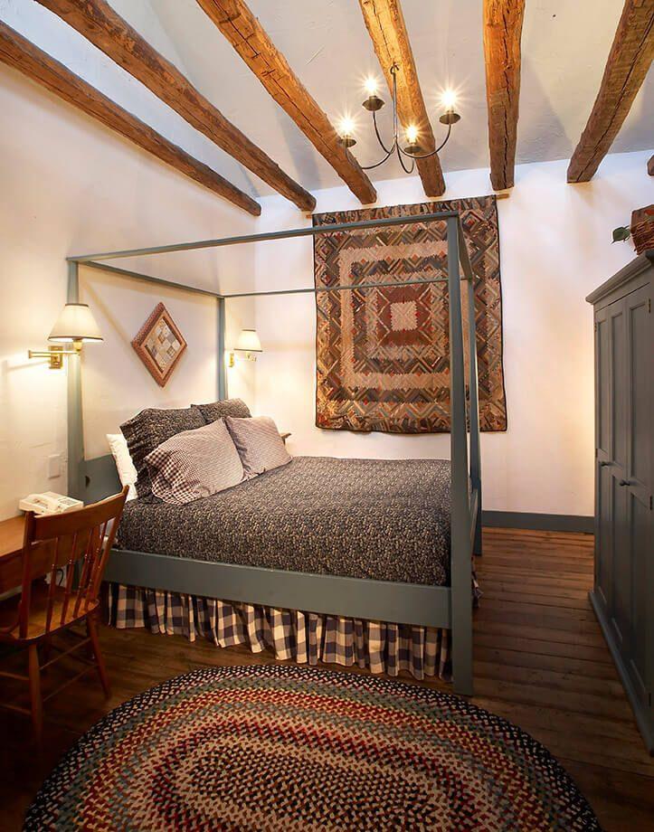 Room 207 - Henry Hentschel