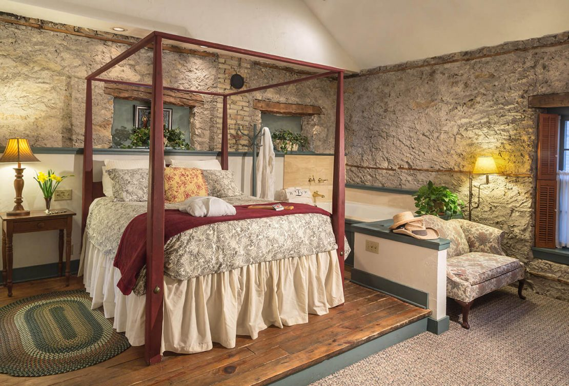 Escape To The Washington House Inn Come Visit Our Historic Cedarburg Wi Hotel