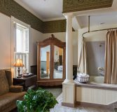 Bathroom of Room 305 - Frederich Hilgen
