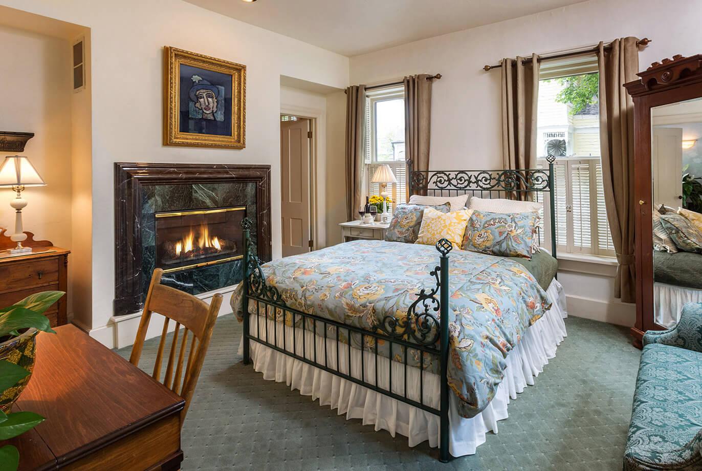 Schroeder Guest House Room 3 - Adeline Lehman