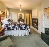 Schroeder Guest House Room 4 - Ida Kuether