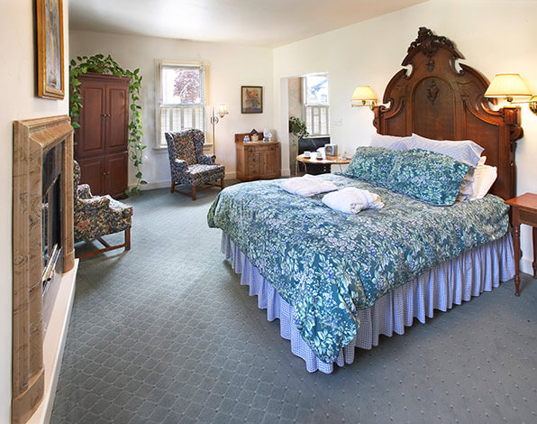 Schroeder Guest House Room 5 - Norma Schliefer