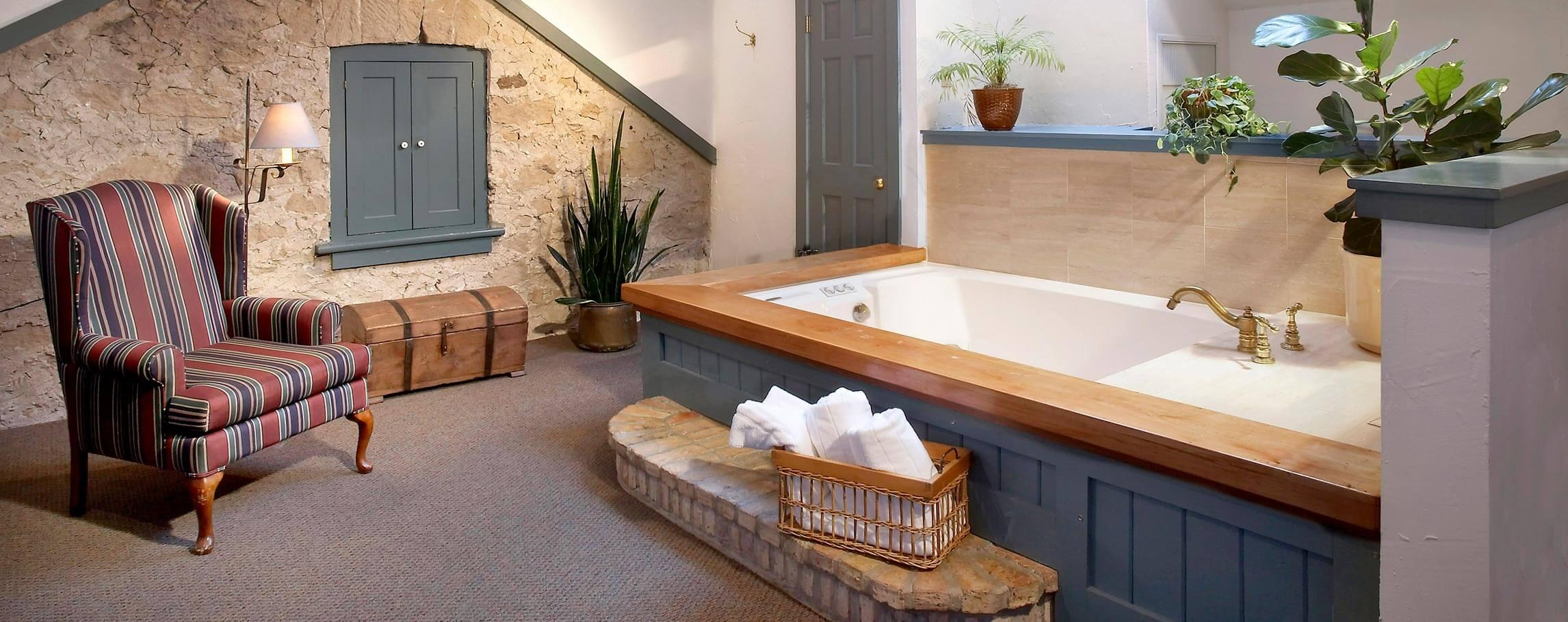 Room at a Top Rated Cedarburg, WI Inn