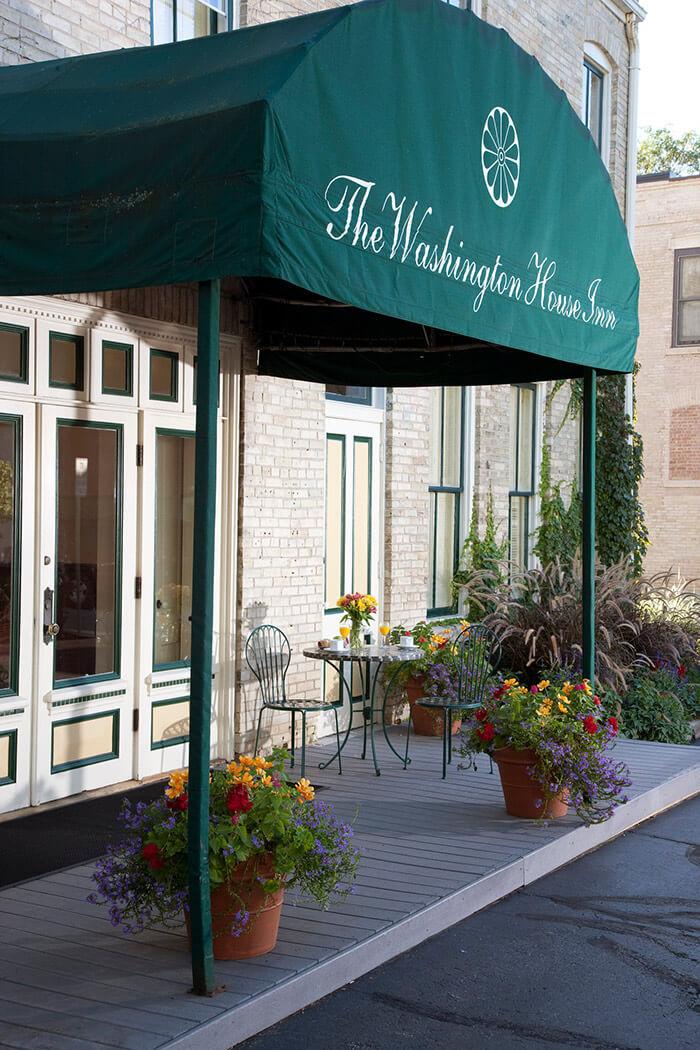 Entrance at Washington House Inn