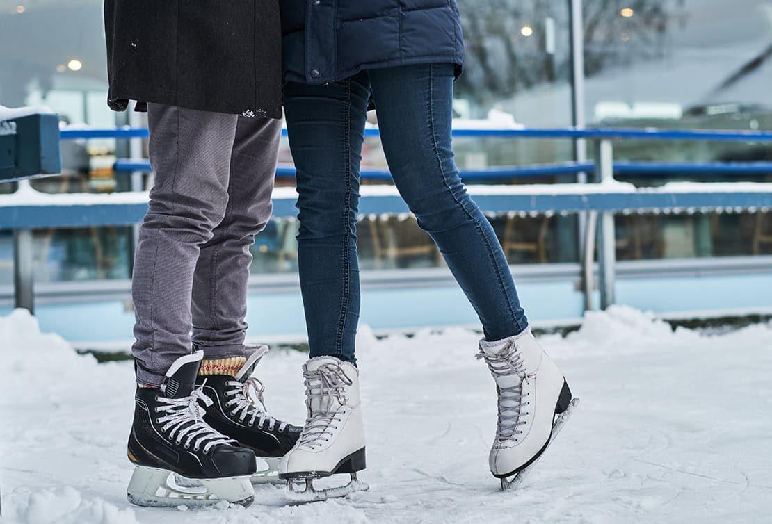 couple ice skating in Cedarburg, WI