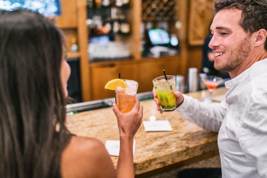 couple enjoying cocktails